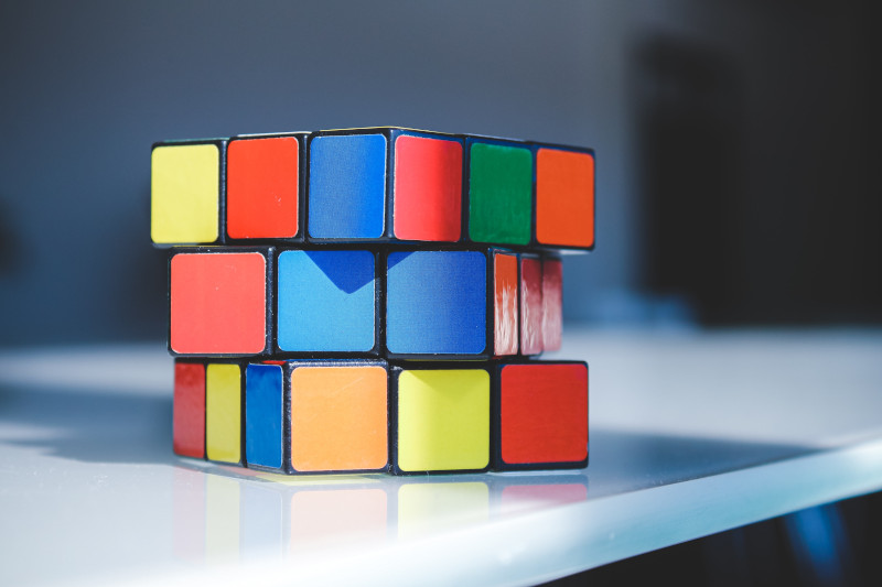 Imanes neodimio usos: cubo rubik
